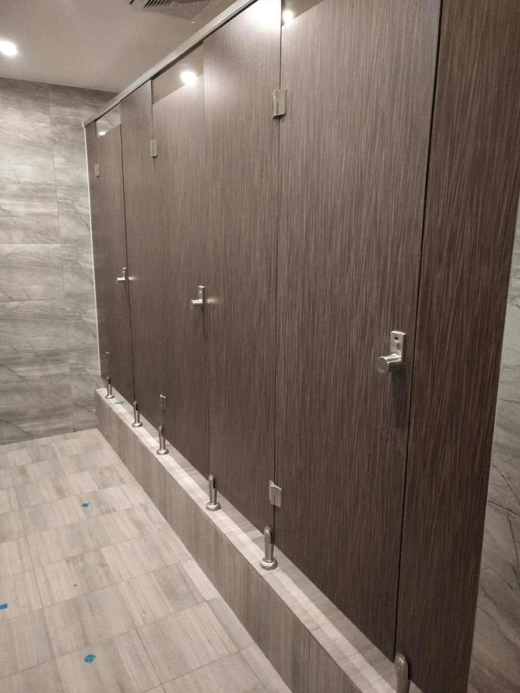 公用厕所隔断价格_中式酒店卫生间隔断_成都凯瑞思装饰材料有限公司
