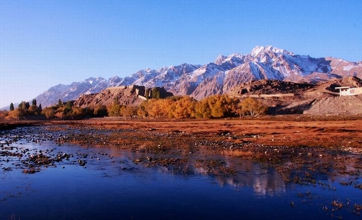 新疆旅游包车价格 自驾租车 四川畅游视界旅行社有限公司