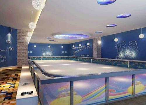 贵州溜冰场地板/四川塑胶跑道施工/成都亿果体育用品有限公司