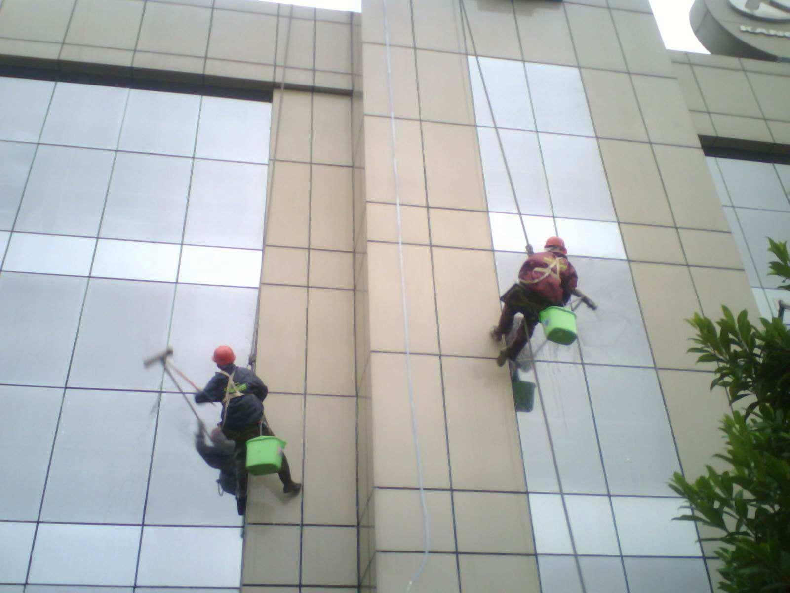 陕西口碑好的外墙防水公司 西安楼顶防水材料哪种好 西安奥邦防水装饰工程有限公司