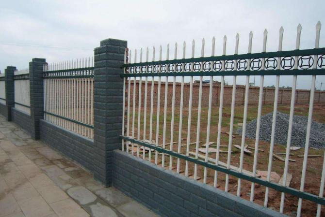 建筑钢结构/铝栏杆哪里买/成都品诚金属设施工程有限公司