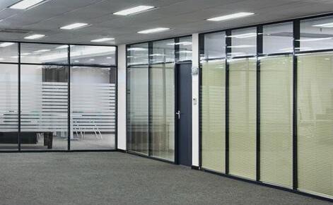 办公高隔间铝型材多少钱_铝业网