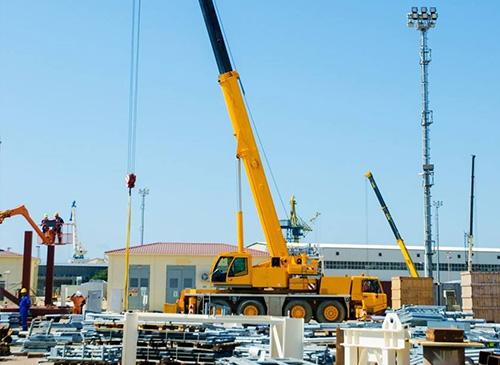 80吨成都吊车_成都吊车相关-成都创盛利机械设备租赁有限公司