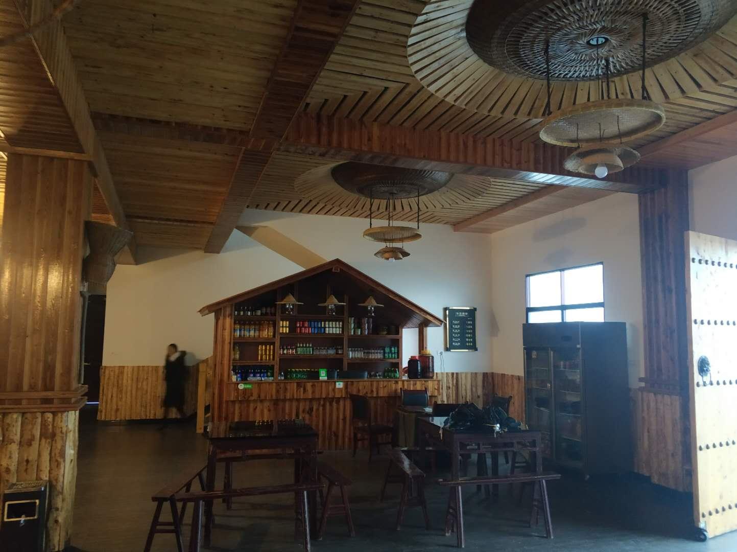 专业餐厅装修网站_餐厅吸顶灯相关