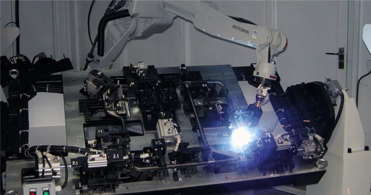 双工位回转式机器人焊接系统_新松机器人相关-四川蓉诺科技有限公司