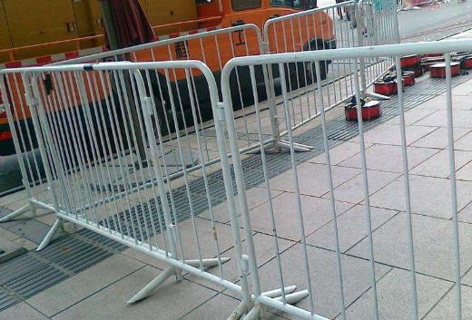 昆明围栏批发_移动围栏厂家相关-云南盛大集成房屋有限公司