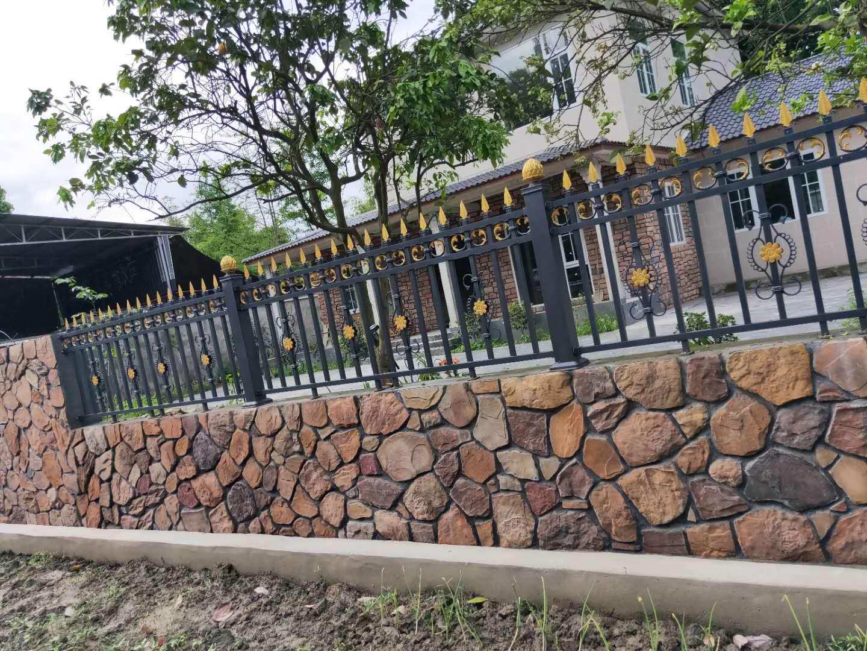 铝艺栏杆多少钱一米_欧式其他门窗五金图片-成都鑫纵横铁艺工程有限公司