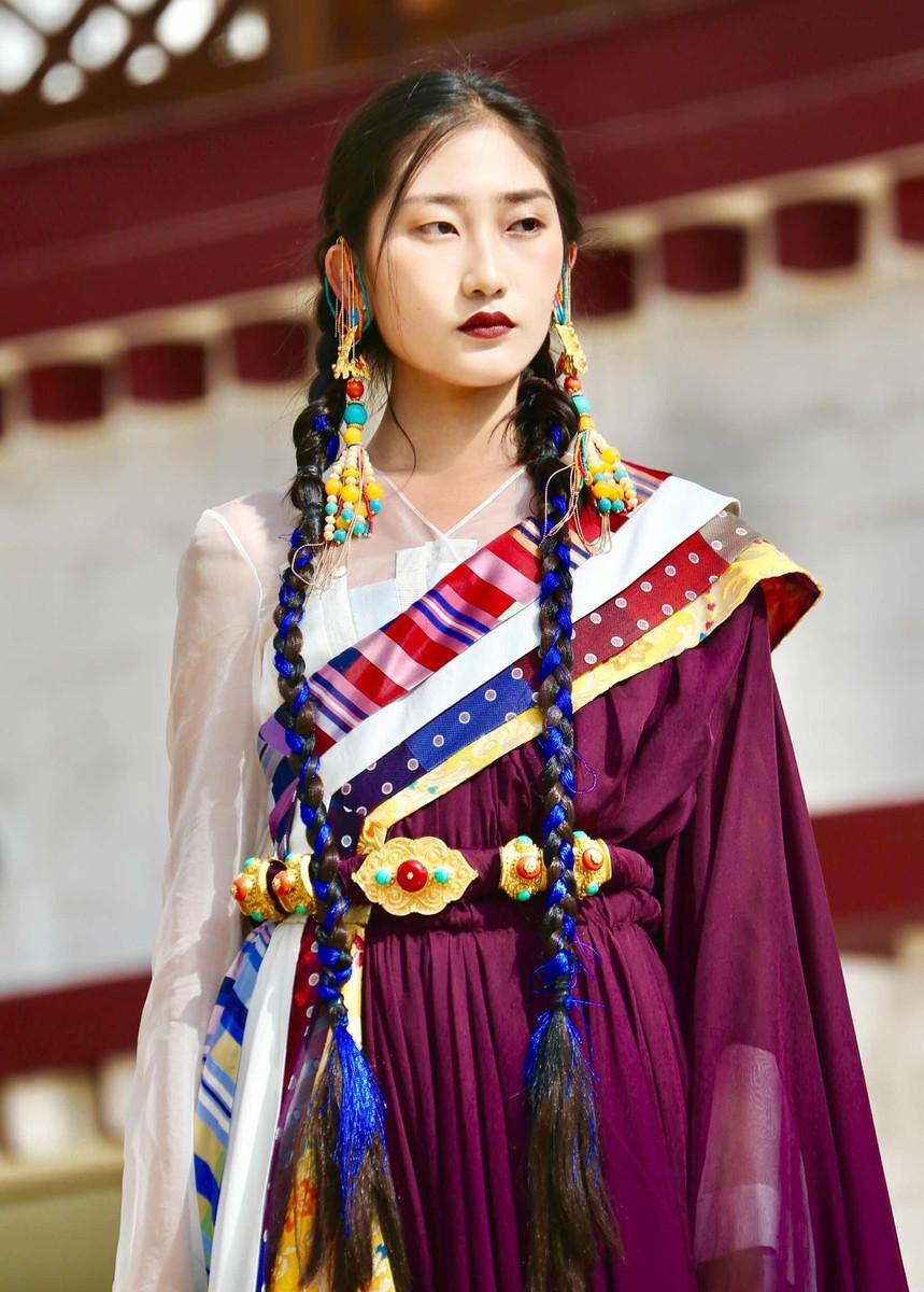 高品质冬季藏族服饰在哪里买_藏族服饰多少钱相关-西藏博源建筑工程有限公司