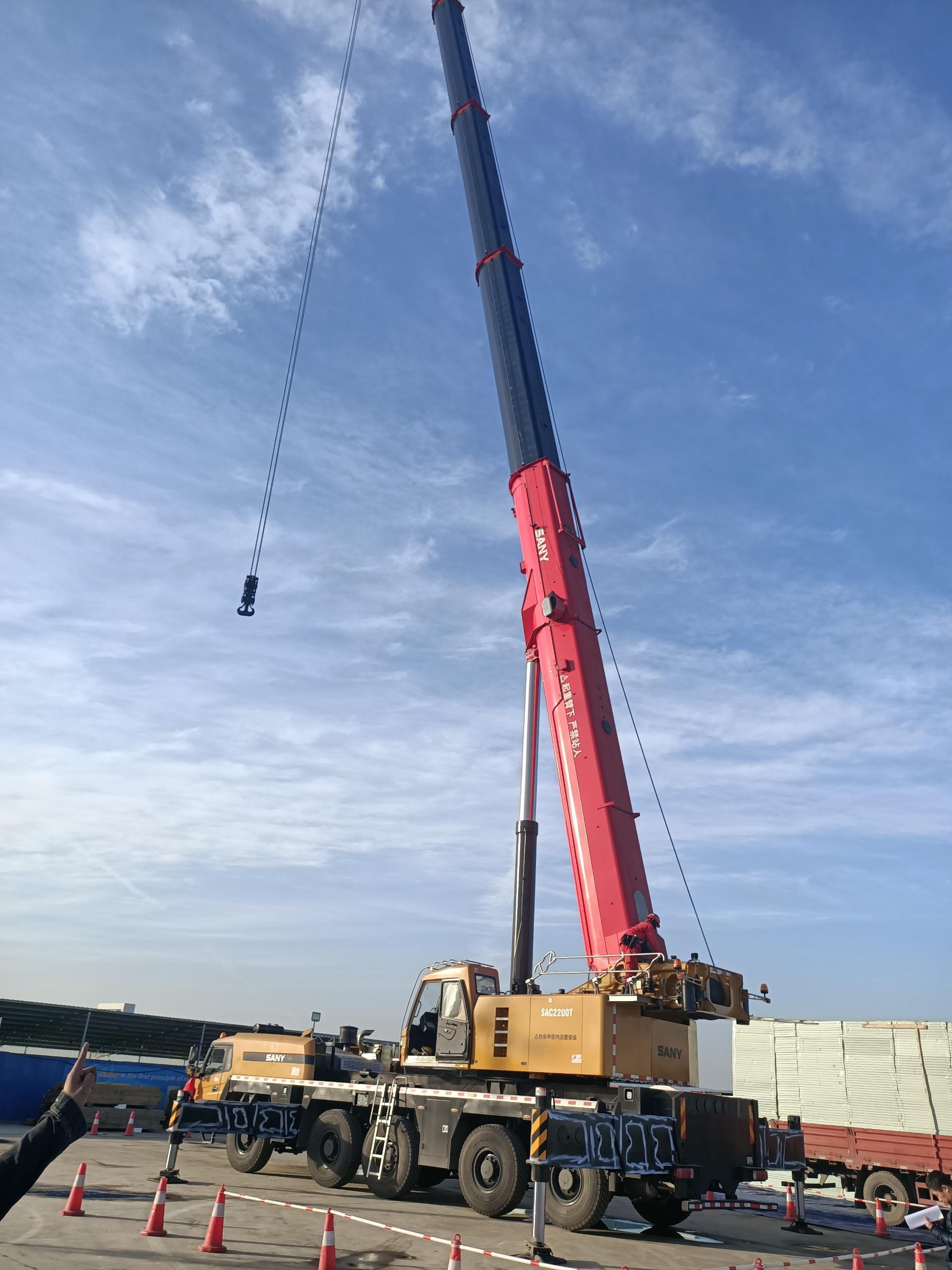 陕西200吨吊车哪家有_桩工机械哪家便宜-陕西浩宇吊装搬运有限公司