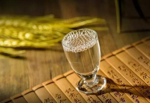 正宗优质酱酒_优质酱酒生产厂家相关-登天梯酒业销售有限公司